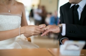 photographe-mariage-mairie-vue-echange-alliances