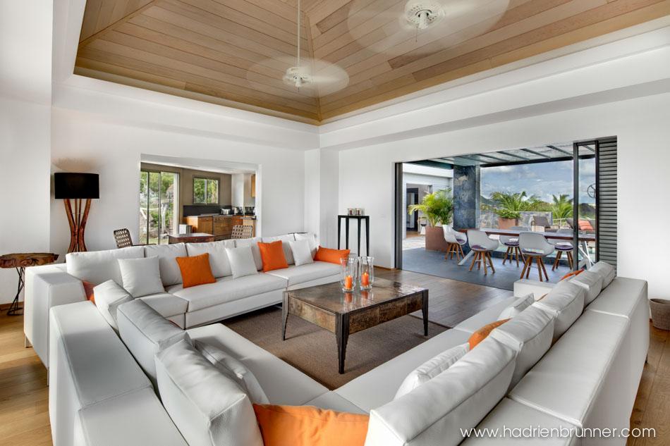 architecte interieur nantes awesome relooking dintrieur dune cuisine avec tabouret de bar et. Black Bedroom Furniture Sets. Home Design Ideas