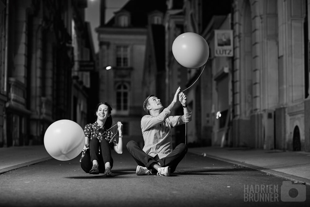 couple-angers-nuit-ballons-helium