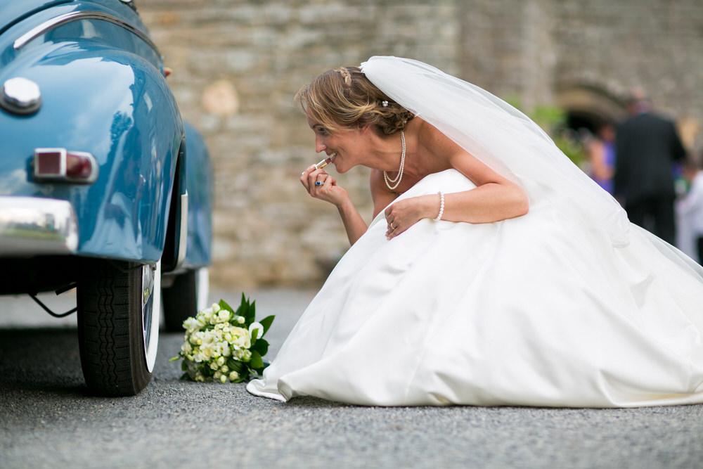 photographe-mariage-guerande-mariée-chateau-villeneuve-voiture